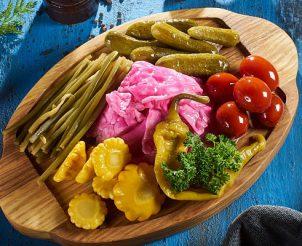 Букет из маринованных овощей
